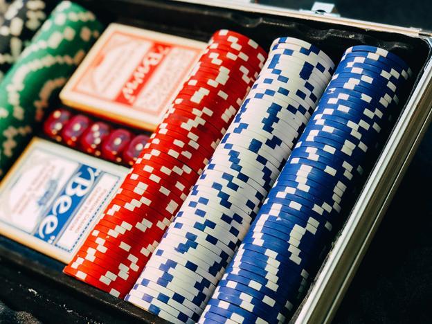 How to Win in Online Casinos