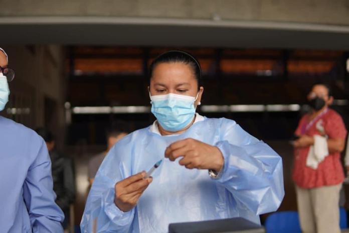 Nicaraguans head to Honduras border for vaccines